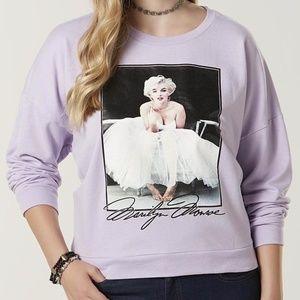 Sweaters - Marilyn Monroe sweatshirt size XL/ juniors size 1X